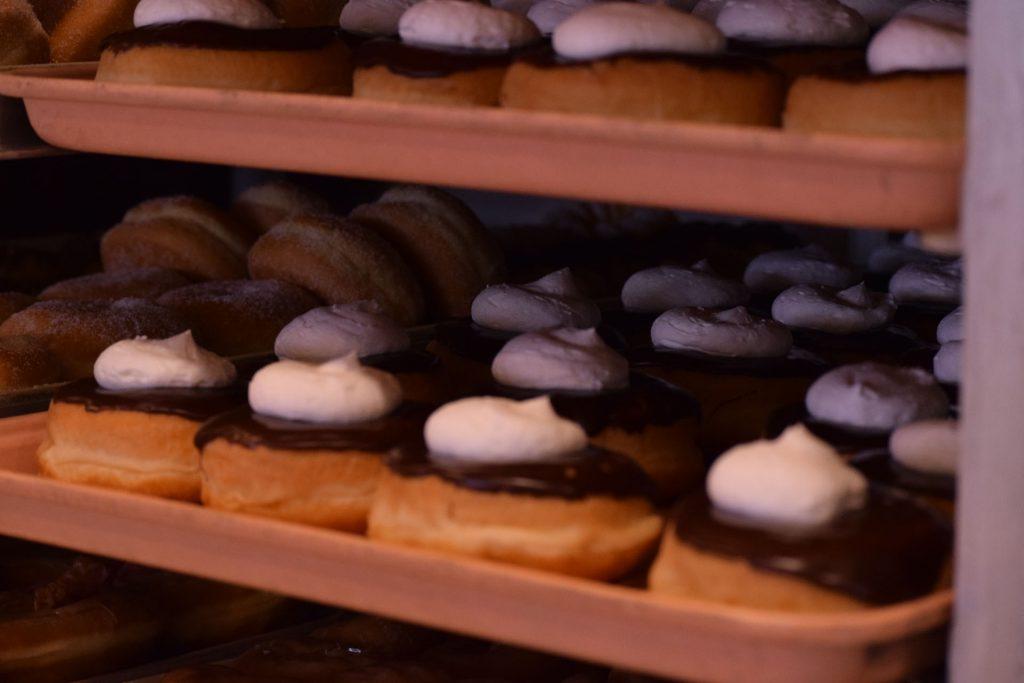 kenosha bakery, bakeshop kenosha, doughnuts kenosha